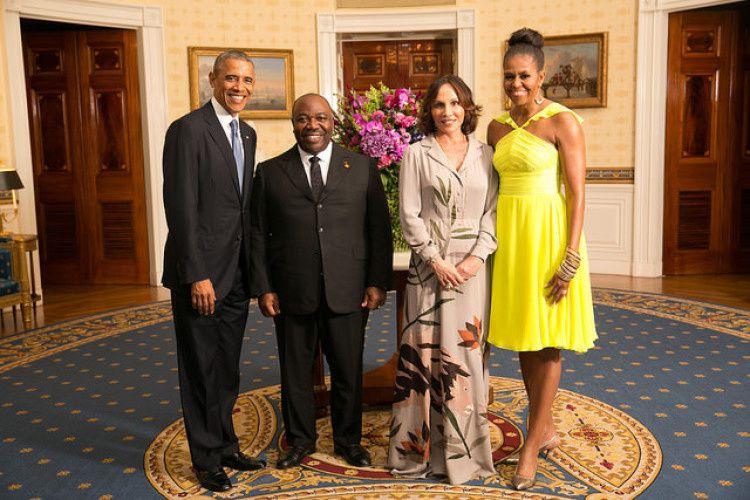 Obama, le dictateur Bongo et leurs épouses respectives au sommet Américafrique