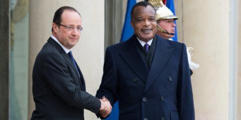 Le président François Hollande reçoit le dictateur françafricain Sassou Nguesso à l'Elysée
