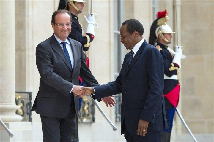 L'ex-dictateur Blaise Compaoré exfiltré en Côte d'Ivoire à la demande du &quot&#x3B;chef de guerre&quot&#x3B; François Hollande, aurait-il emporté des dizaines de millions d'euros avec lui ?