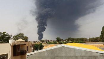 Incendie d'un dépôt pétrolier en Libye, en juillet 2014. © AFP