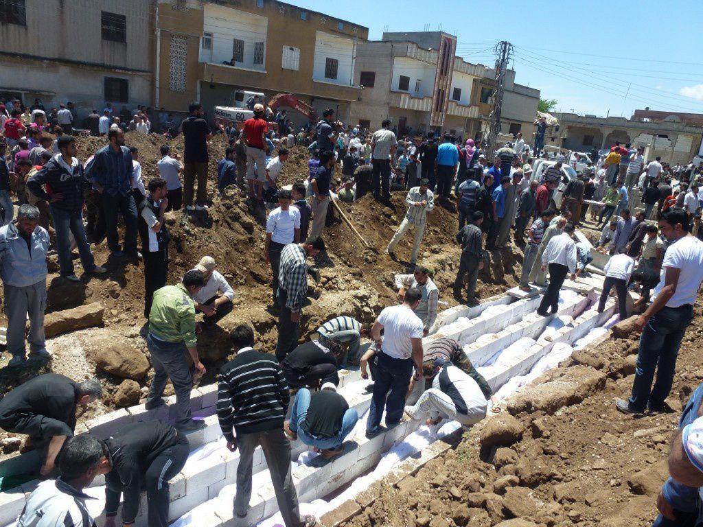 Les victimes ont été enterrées dans une fosse commune dès le lendemain du « massacre »