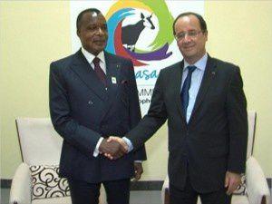 Il y a un an, le &quot&#x3B;chef de guerre&quot&#x3B; Hollande, le &quot&#x3B;Ministre de l'Afrique&quot&#x3B; Le Drian et le dictateur Sassou Nguesso riaient ensemble à Bruxelles !