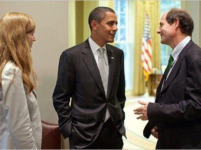 omment installer une dictature dans un gant de velours. Le président Obama discute avec son ami le « paternaliste libéral » (sic) Cass Sunstein et l'épouse de celui-ci, l'« idéaliste machiavelienne » (resic) Samantha Power.