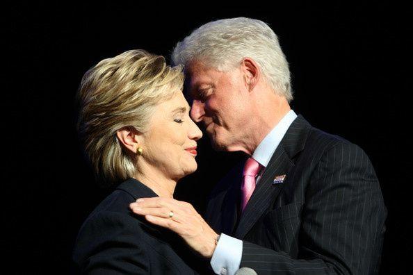 Face aux critiques sur la politique d'Hillary Clinton en Libye, son mari perd son sang froid (vidéo)