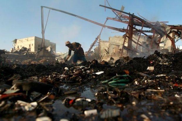 Conséquences d'un raid aérien mené par la coalition dirigée par l'Arabie saoudite au Yémen (AFP)