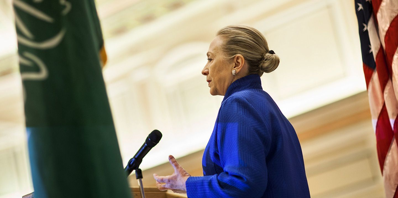 [Vidéo] Malgré un don de 12 millions de dollars, Hillary se dérobe et envoie Bill Clinton au roi du Maroc (Russia Today)
