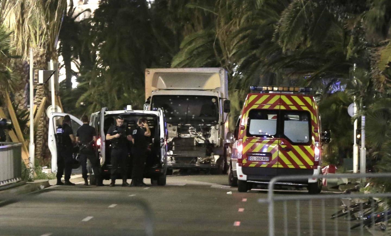 Le selfie avec Estrosi et autres photos du terroriste de Nice (L'Express)