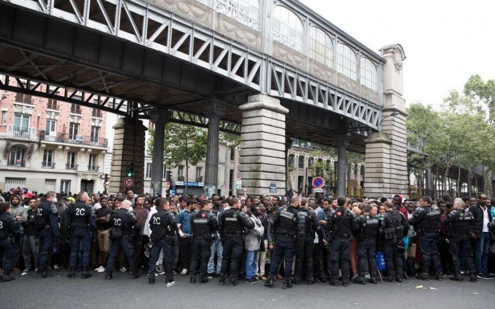 Migrants dans la rue à Paris : &quot&#x3B;le harcèlement et les violences policières doivent cesser&quot&#x3B;  (MSF)