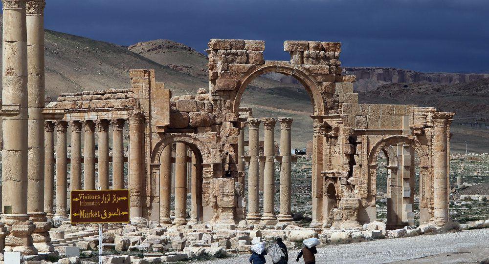 [Vidéo] L'armée syrienne annonce avoir repris Palmyre avec l'aide de l'aviation russe (Russia Today)