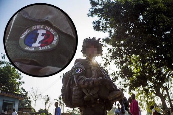 Des soldats fran ais arborent un symbole nazi sur leur for Portent en francais