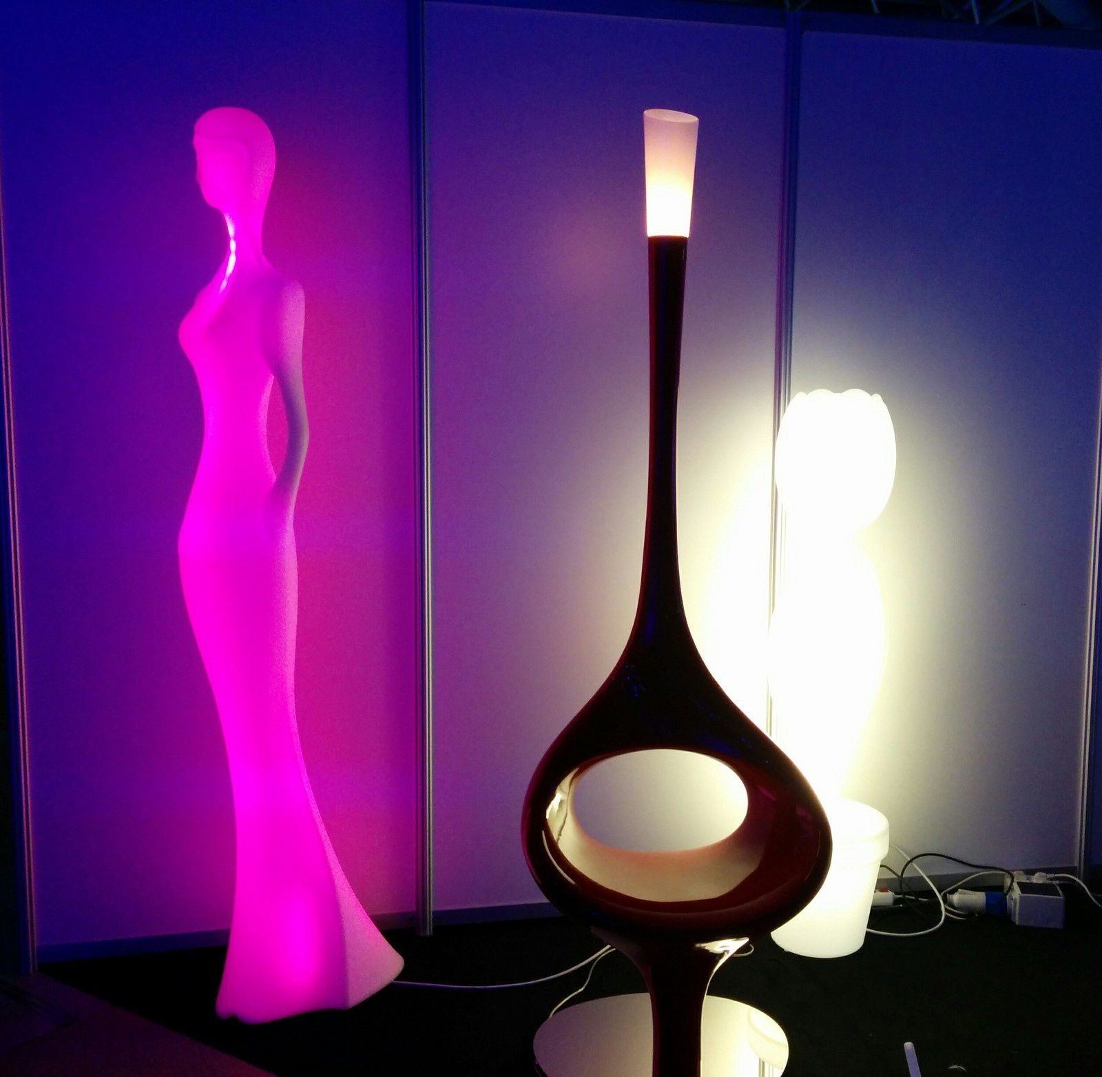spot lumiere au salon du mics de monaco luminaires design. Black Bedroom Furniture Sets. Home Design Ideas