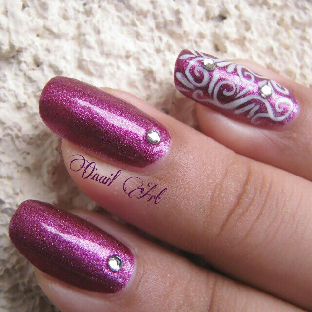 "Nail art sur Met6 ""Fushia"" de Miss Europe"