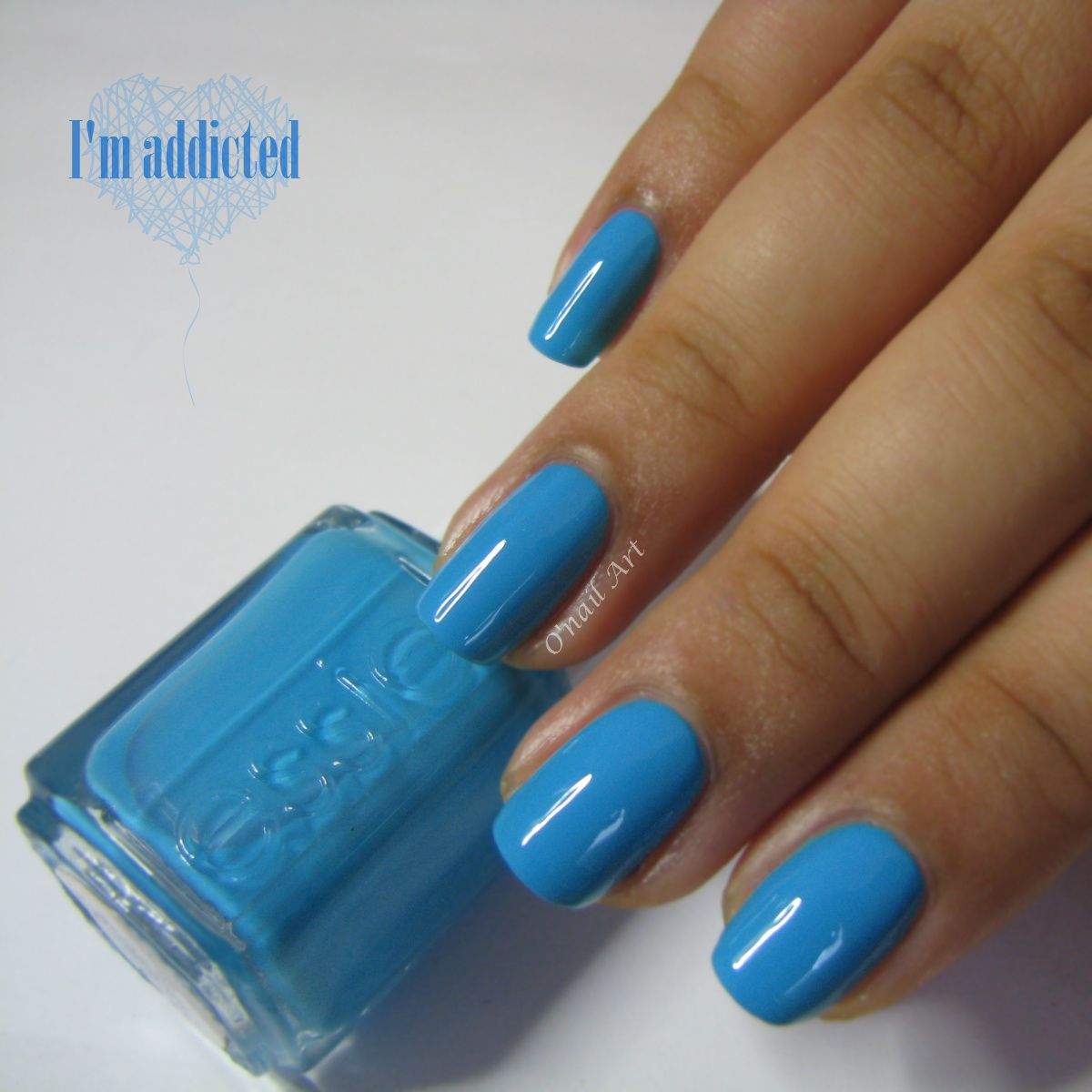 """I'm addicted"" par ESSIE"