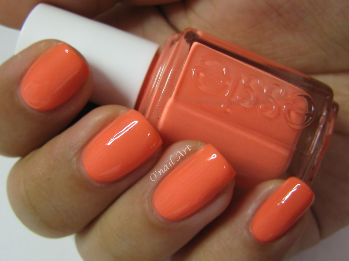 """Serial Shopper"" par ESSIE"