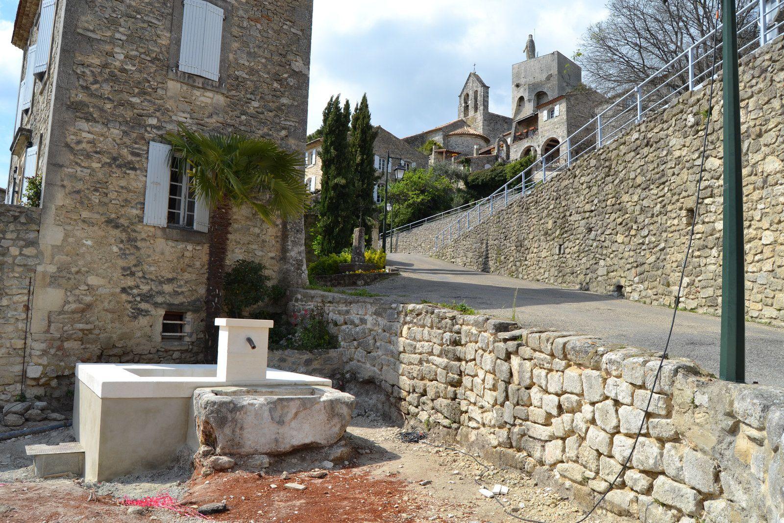 Pas de grand déplacement pour ce petit reportage puisque Clansayes est à 5 minutes de Saint Paul Trois Châteaux.