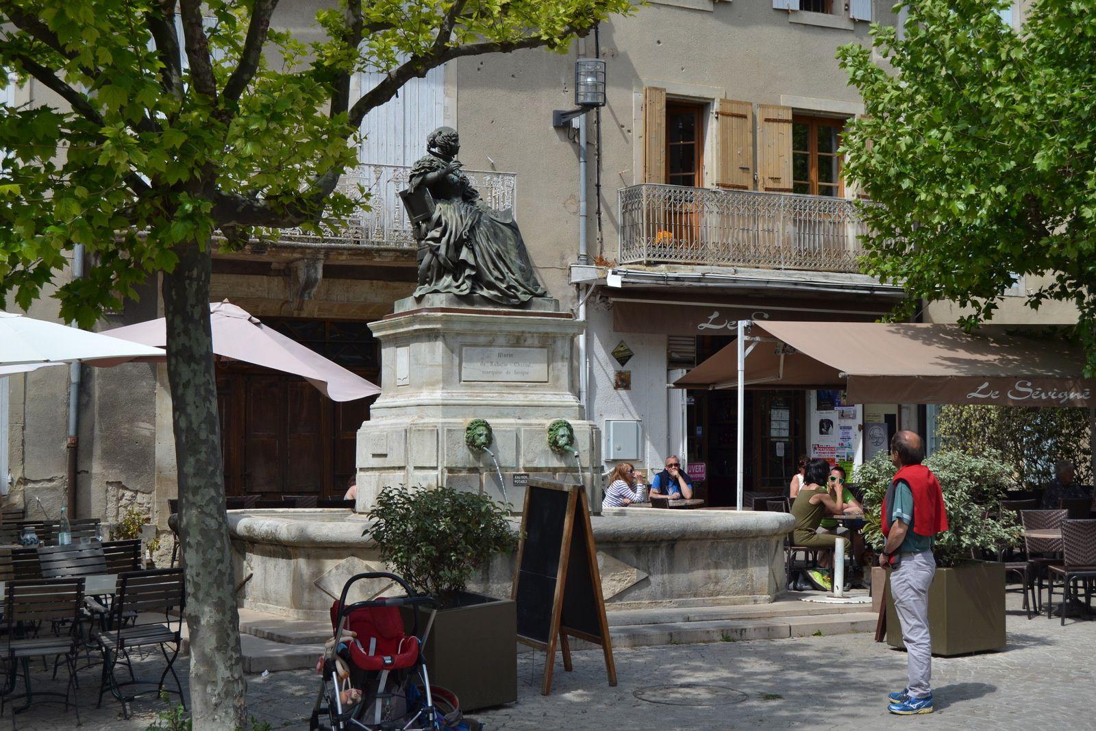 La statue de La Marquise de Sévigné aux monuments historique? (Drôme 26 )