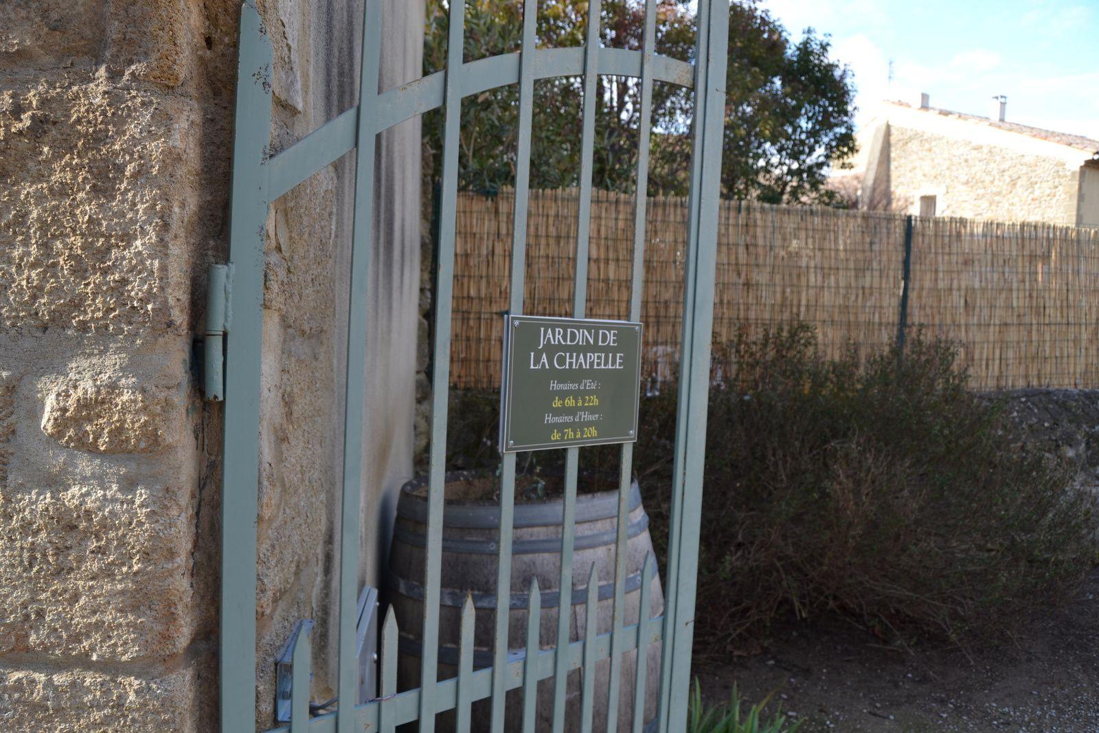 En 1882, la Chapelle est dite « en ruine ». Le maire du village, le Docteur Goudareau, et son Conseil municipal, se basant sur le cadastre de 1747, qui donne propriété à la commune, décide de la démolition de la chapelle, pour y construire à la place une école. Le village est pris dans la tourmente, une très forte polémique orchestrée par le Curé Cortasse, va durer dix ans.