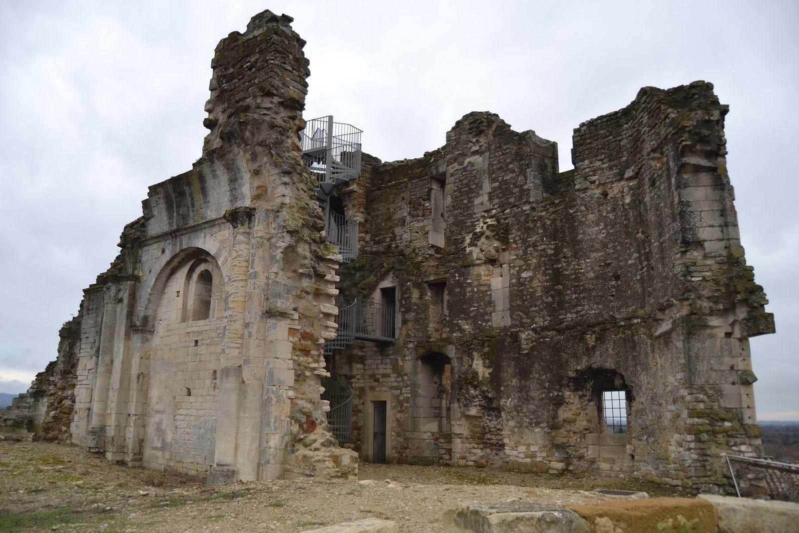Il fît l'objet de nouveaux combats, entre le Comte de Suze et les hugenots, en 1574.