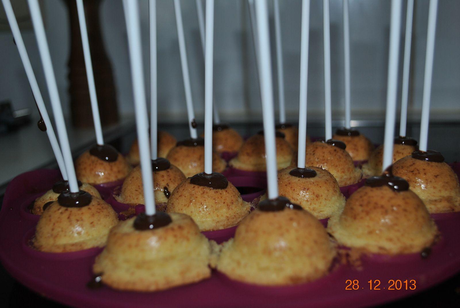 Cake pops( en se basant d'une pâte 4/4)