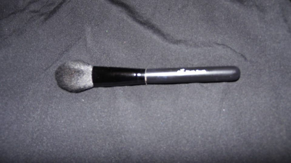 Pinceau ELF Blush Brush