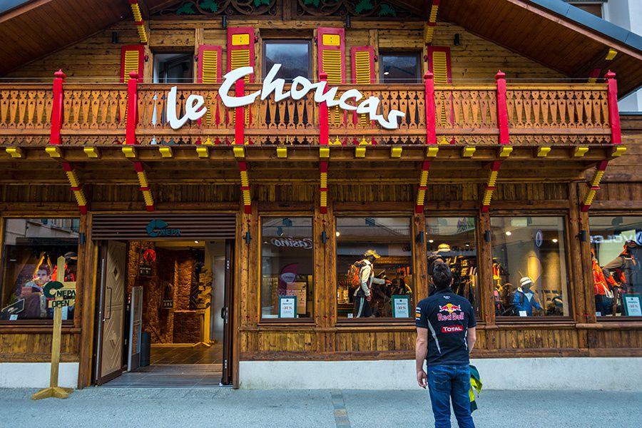 Chamonix et l'aiguille du midi (3842m)