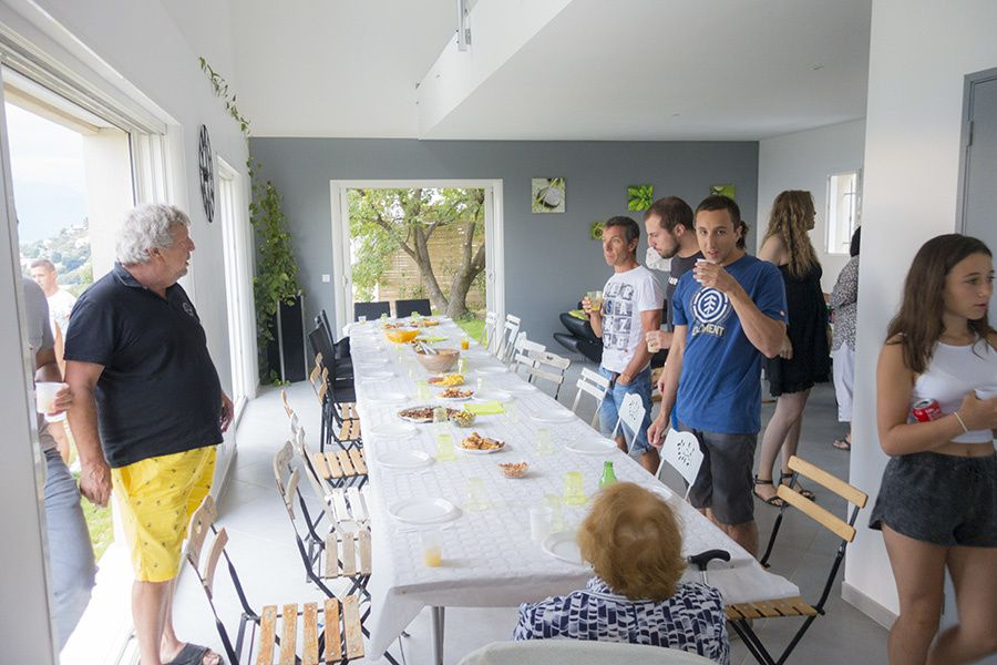 Martine est de sortie : Aurélie et Jean fêtent le passage de Simon sur la Côte