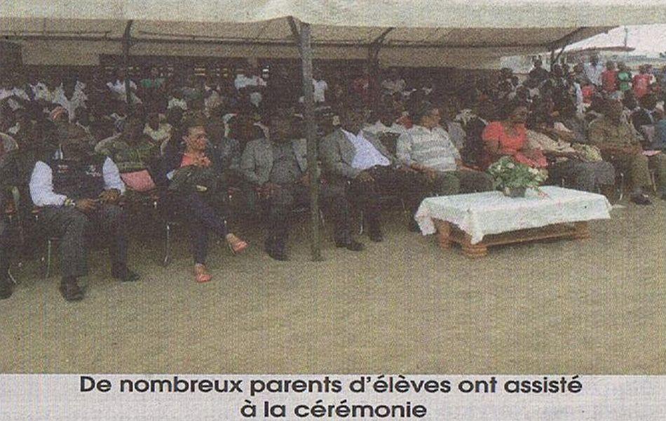 Gabriel Tchango remet plus de 1000 kits scolaires à deux écoles de Port-Gentil