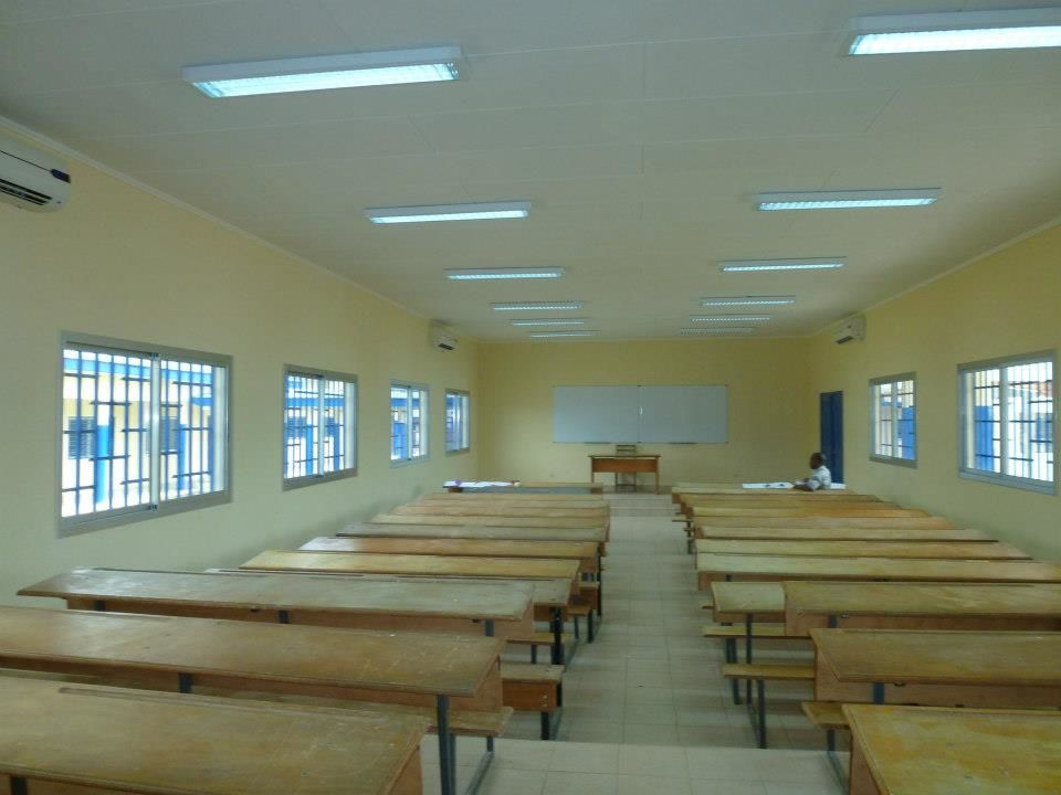 Salle de classe moderne et entièrement climatisée