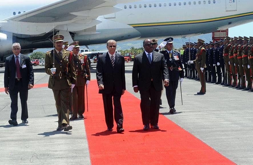 Le Président accueilli par le Premier Ministre mauricien Navinchandra Ramgoolam