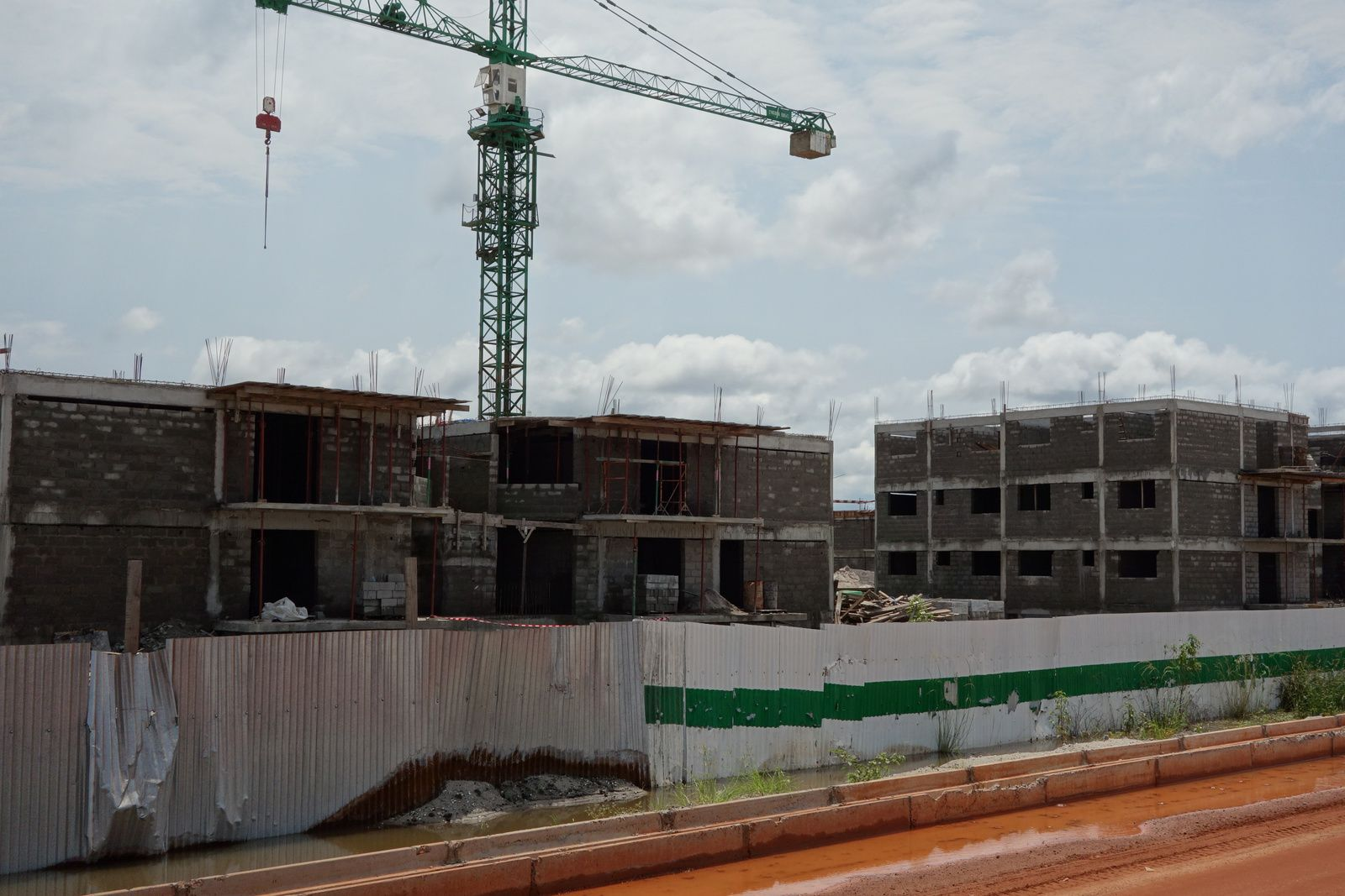 Le Gabon Émergent en Action: Construction de 1000 logements à Port-gentil
