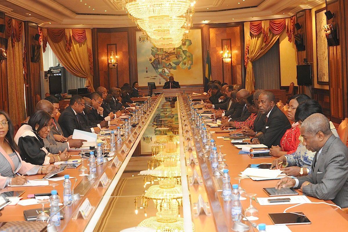 Communiqué Final du Conseil des Ministres du Mardi 22 Décembre 2015 + Nominations