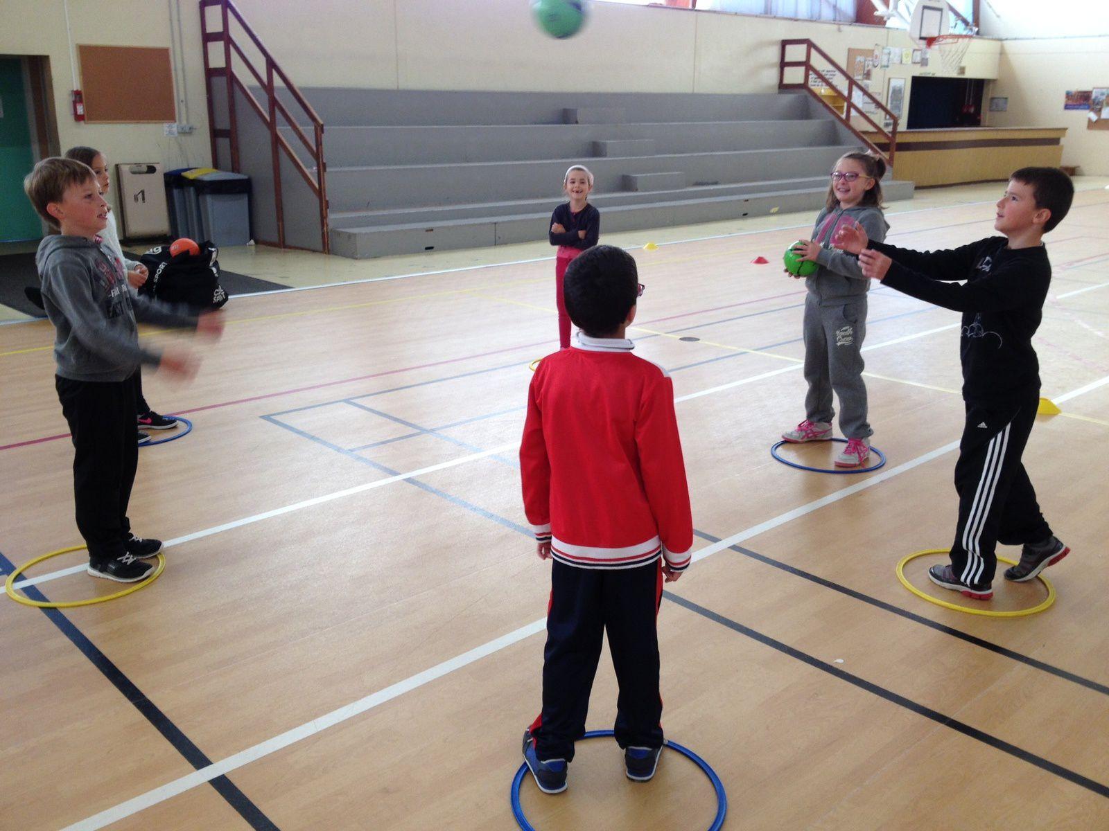 La classe de Morgane au sport.