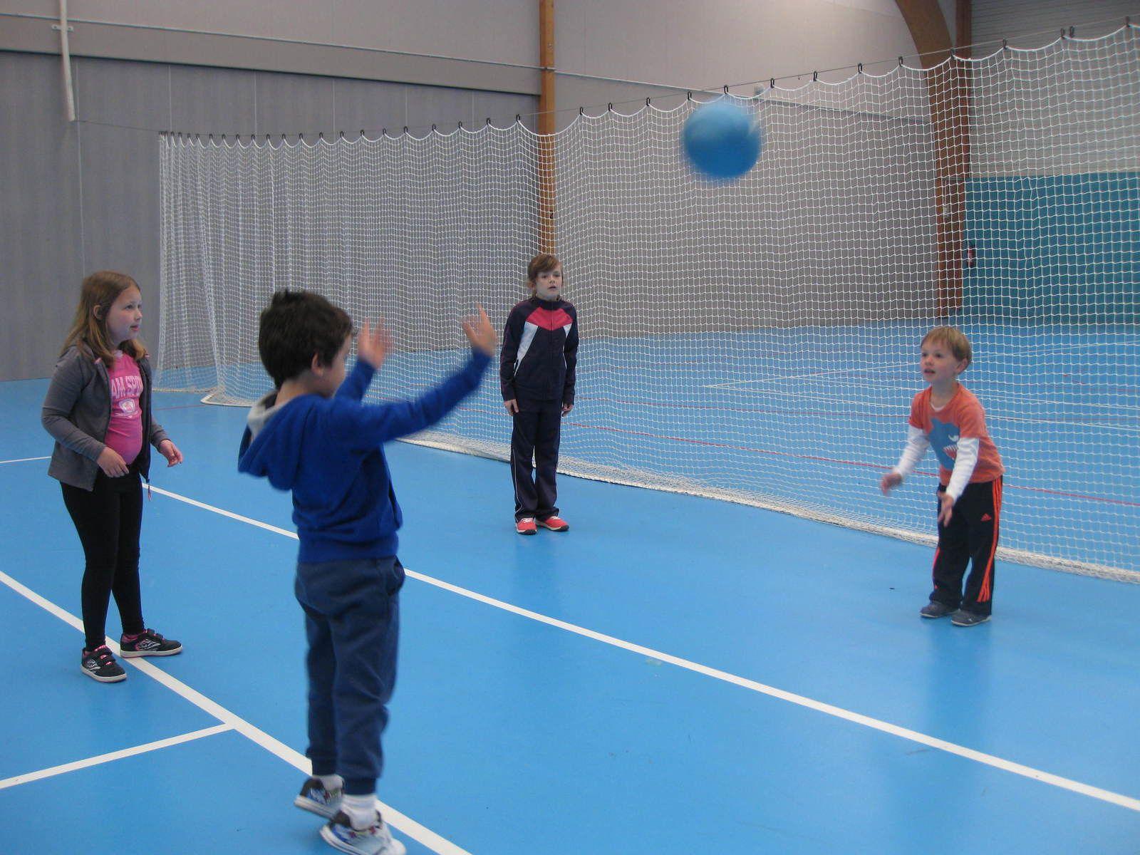 MS Régine et CE2 Mélissa à la salle de sport