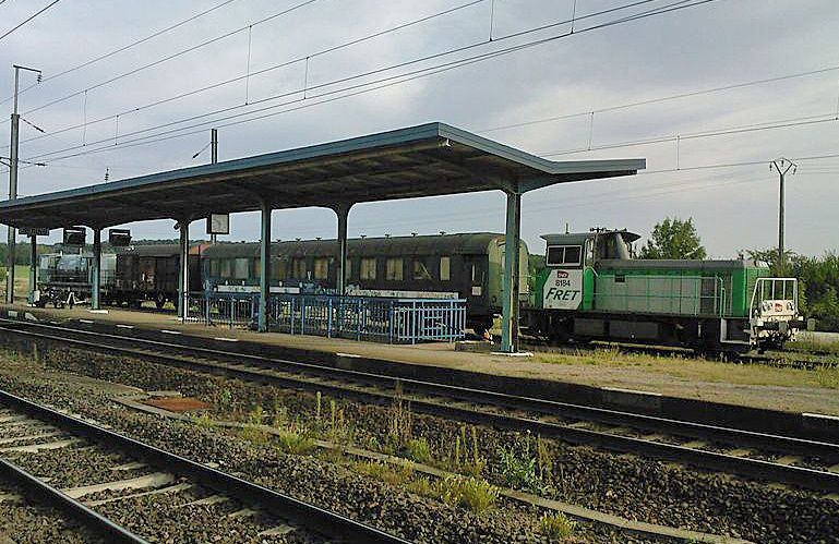 Train désherbeur en gare de Reding.