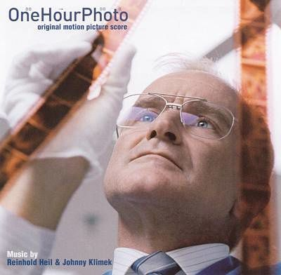 "The pursuit (From ""One hour photo"") par Johnny Klimek and Reinhold Heil"