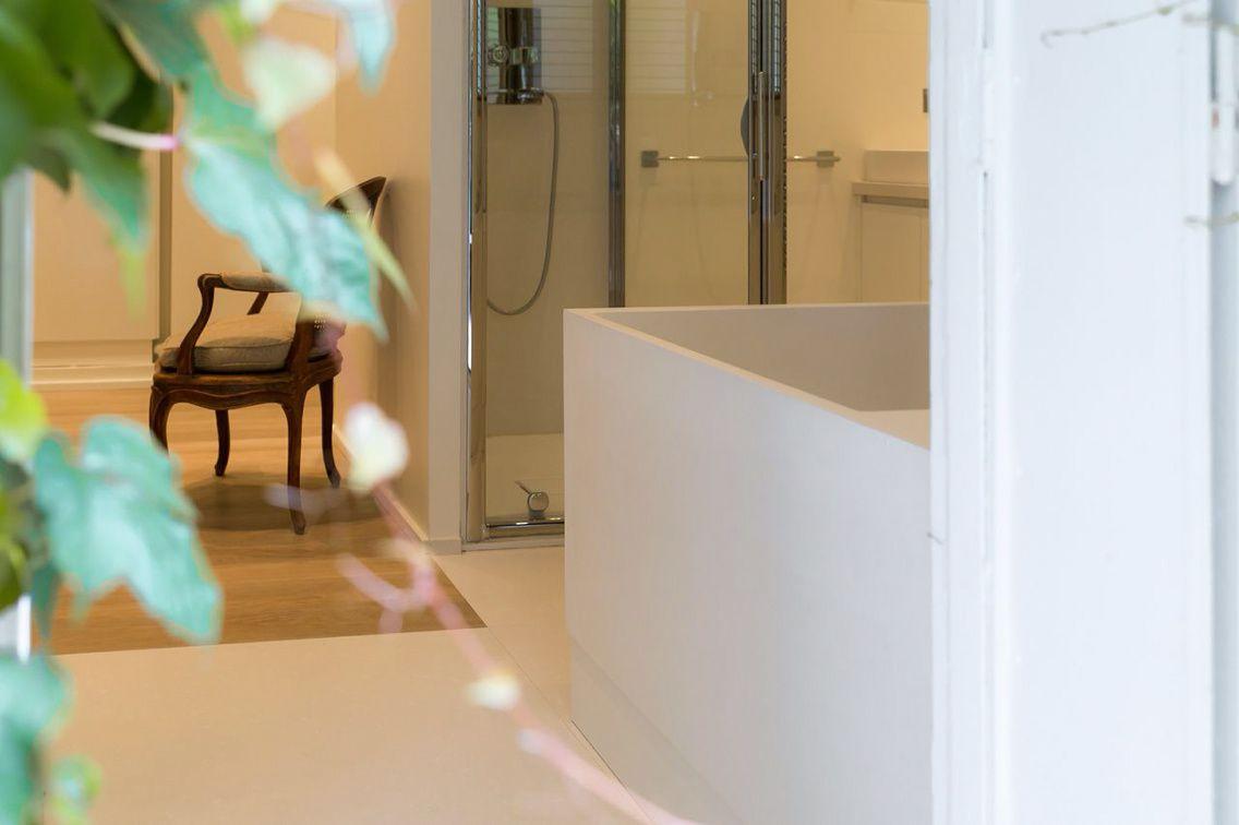une belle collaboration avec thg pour cet espace de puret appartement priv neuilly sur seine. Black Bedroom Furniture Sets. Home Design Ideas