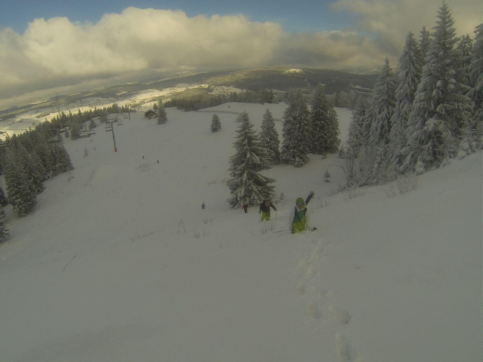 Photos de Samedi 30/11 - Montée au Morond ski sur le dos.