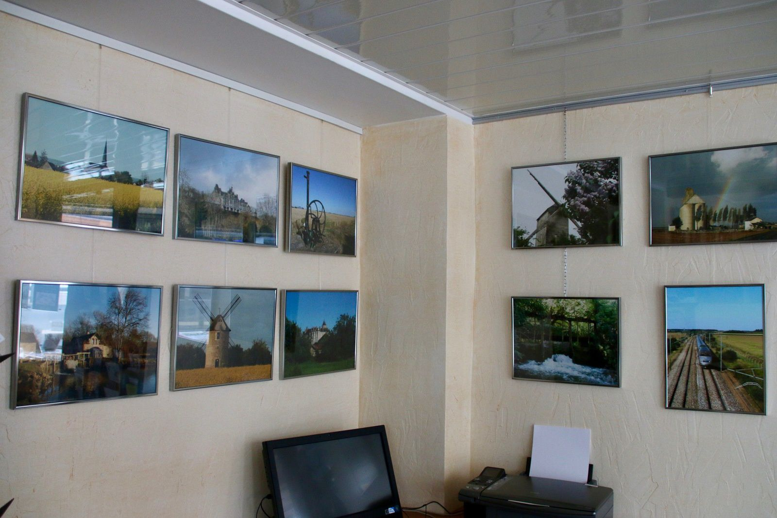 Plus que 3 jours pour découvrir mon expo à l'Office du Tourisme de Cloyes les trois Rivières