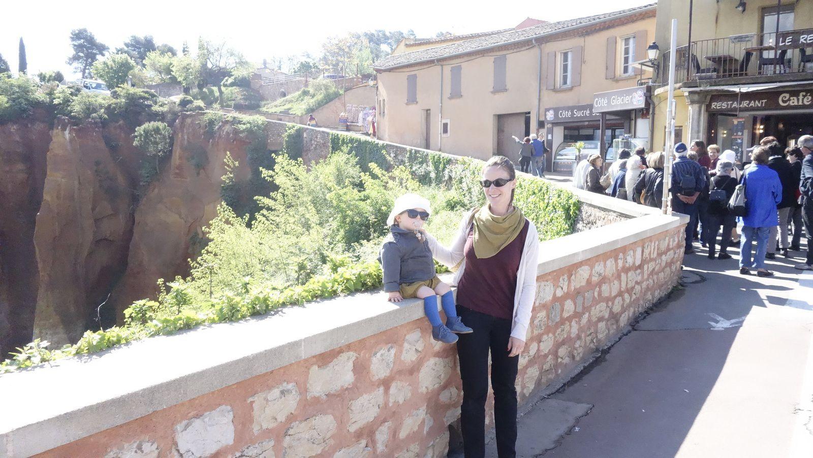 Roussillon, Pernes