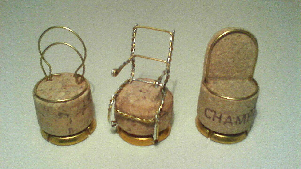 Chaises en bouchons de Champagne!