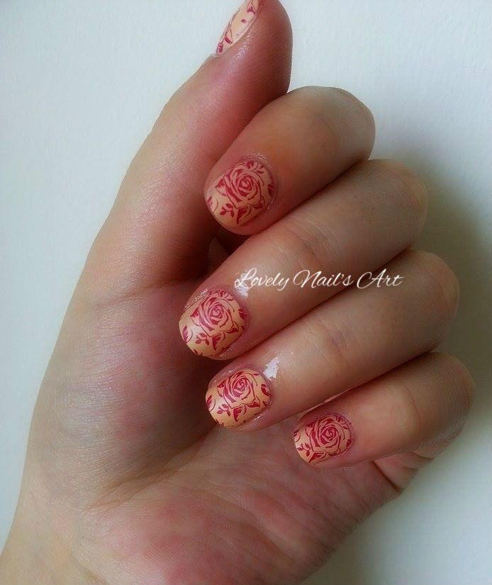 Nail art stamping *roses rouges*