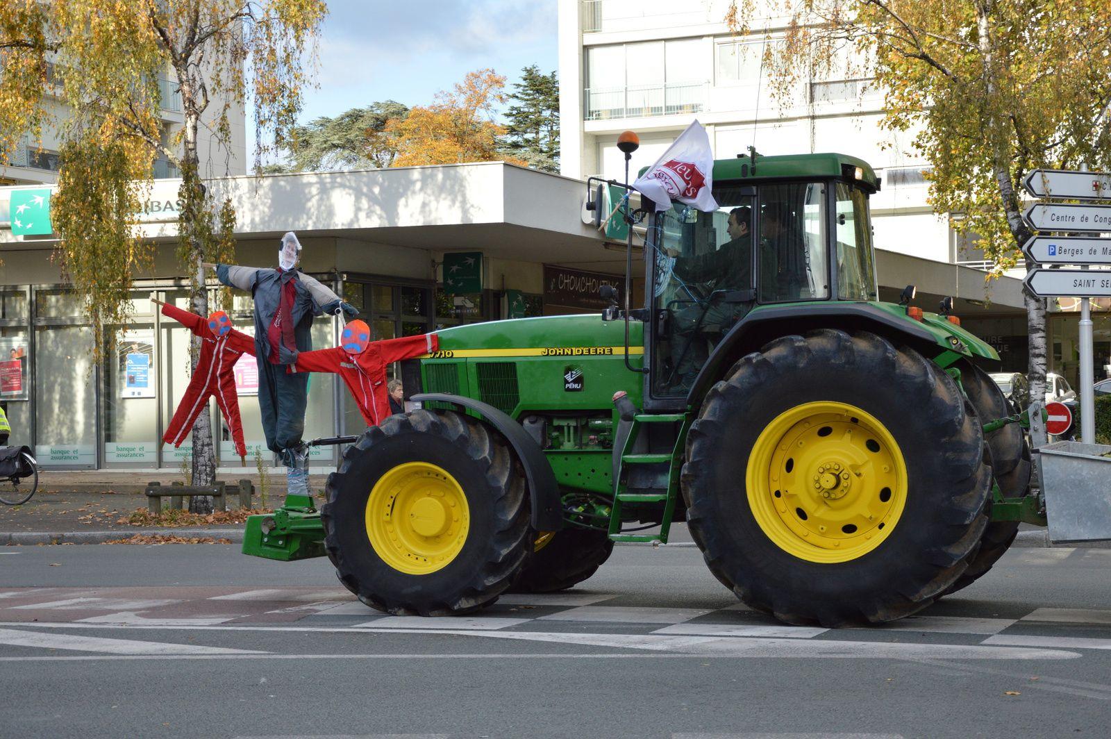 300 traktorów