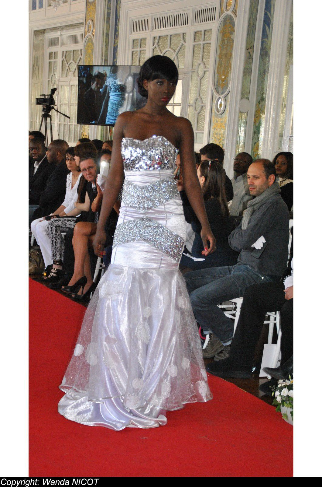 N° 5 DEFILE DE LA FASHION NIGHT COUTURE  A PARIS