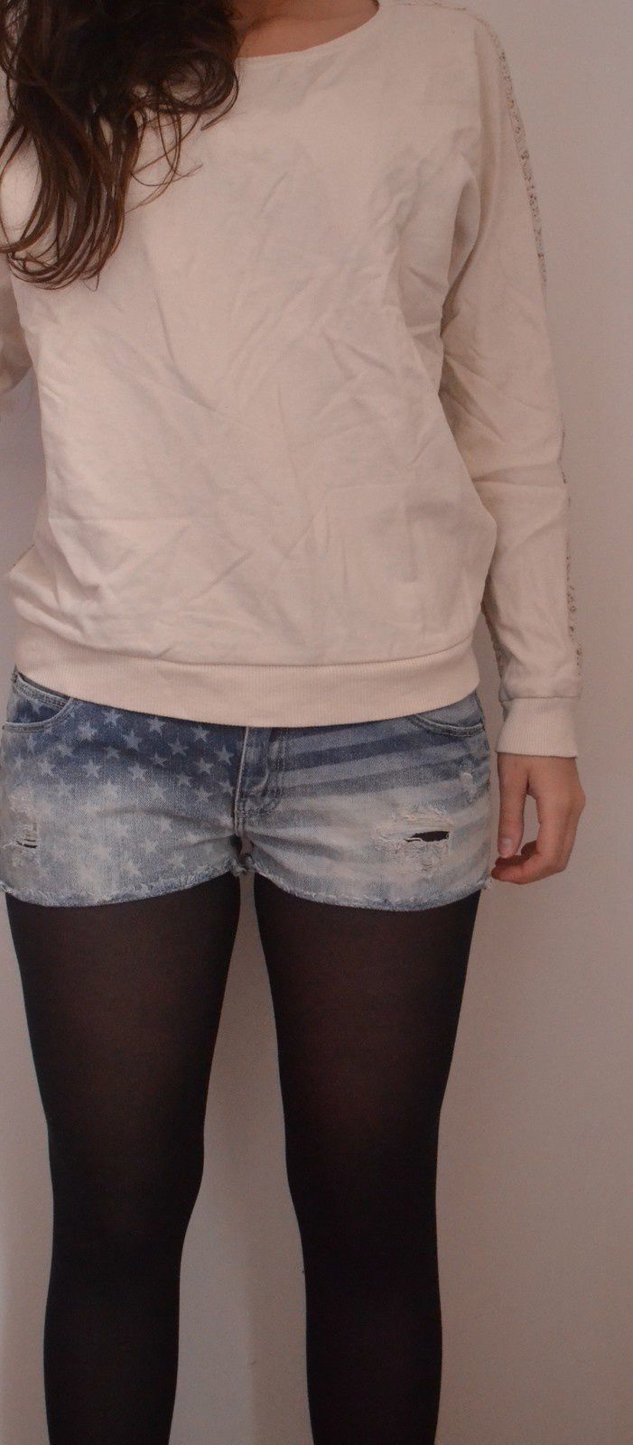 Pull beige Pimkie Taille M : 15€    Short Taille 36: 8€