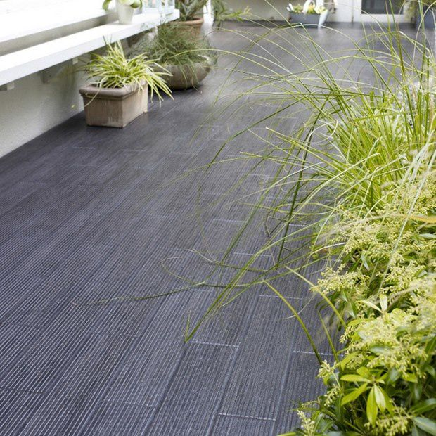 Le carrelage dans tous ses tats france 39 in d co for Carrelage exterieur gris anthracite