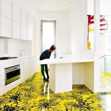 La cuisine, spacieuse et lumineuse