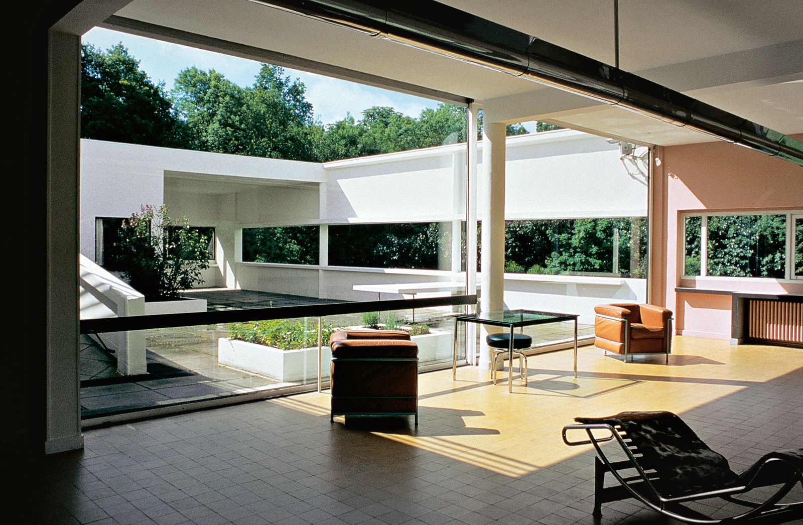Le corbusier p re de l 39 architecture moderne france 39 in d co for L architecture moderne plan