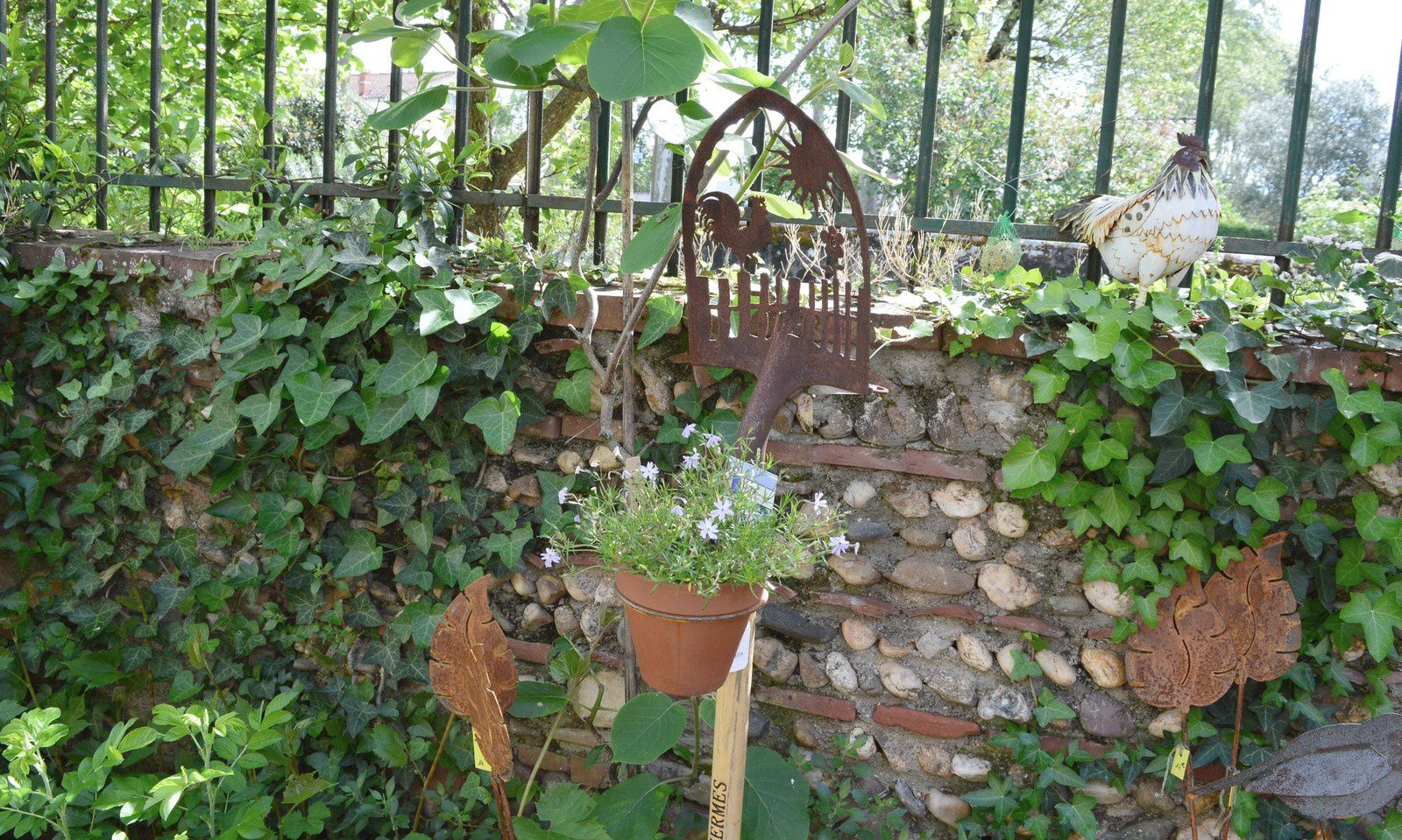Best decoration jardin fer rouille ideas for Decoration jardin rouille