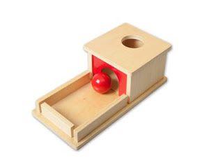 Boîte avec balle et plateau