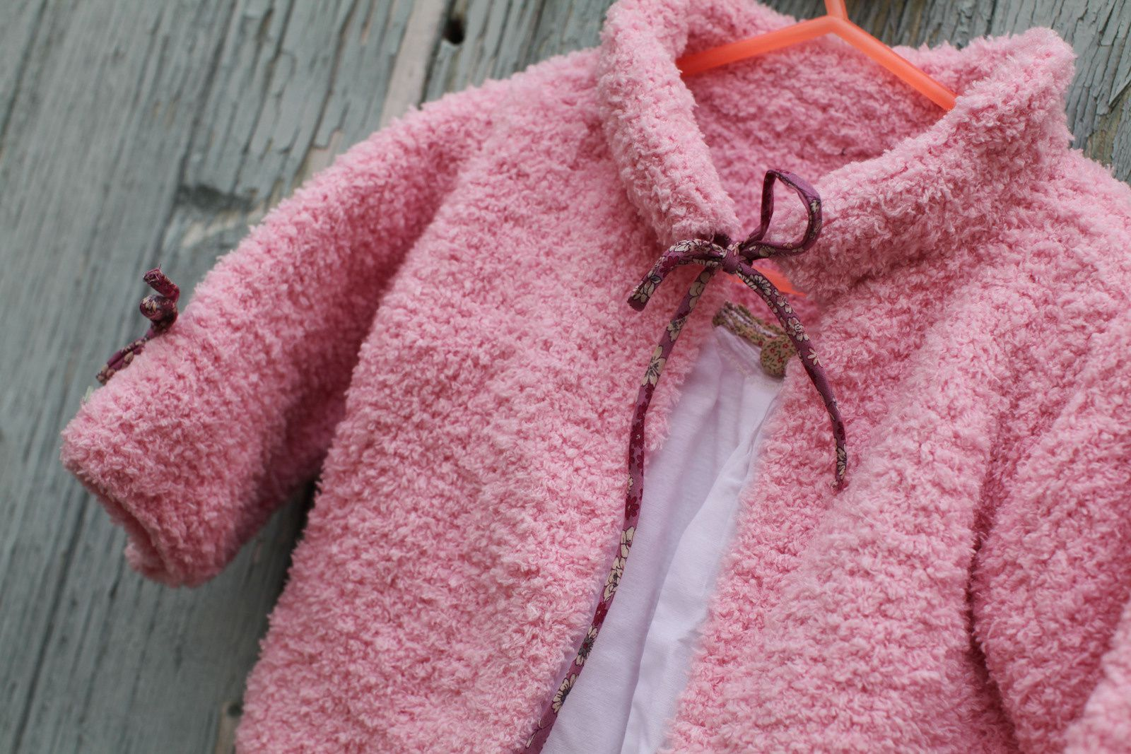 Handmade pink vest with baby whool, 2 years size, by Paulette, on sale on Dawanda
